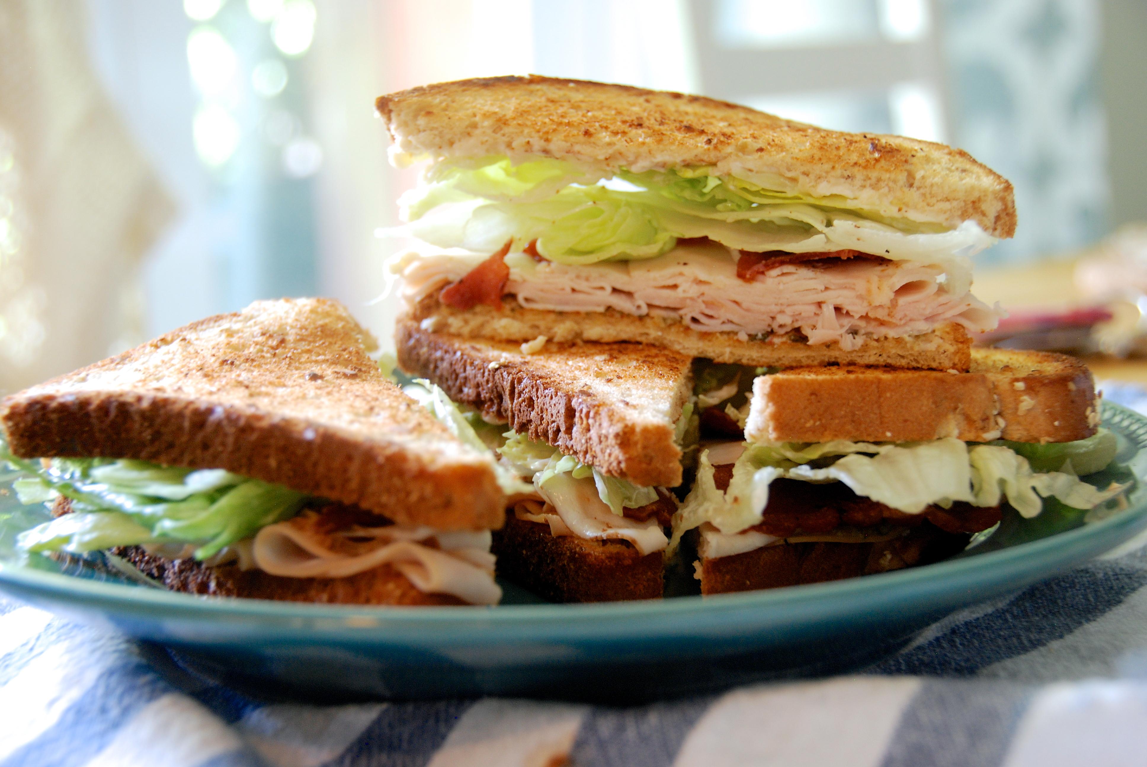 Easy turkey pesto club sandwich. - Two Red Bowls
